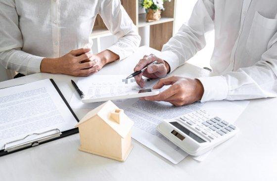 5 tipů, jak bezpečně koupit byt a nenaletět